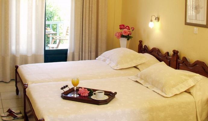 Giannikos Hotel double room